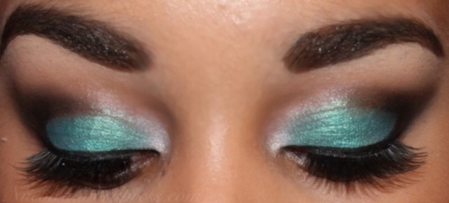Step-by-step | Turquoise Smokey Eye – Nicole's Beauty Blog