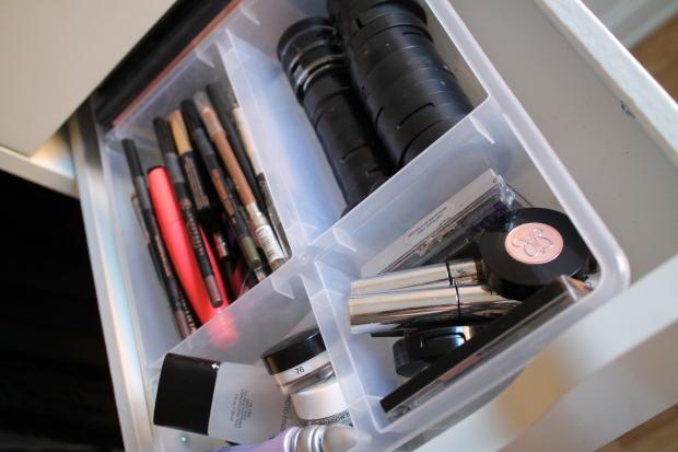 Primers, Eyebrow products, Single Eyeshadows, Eyepecils, Mascaras & Eyeshadow palettes
