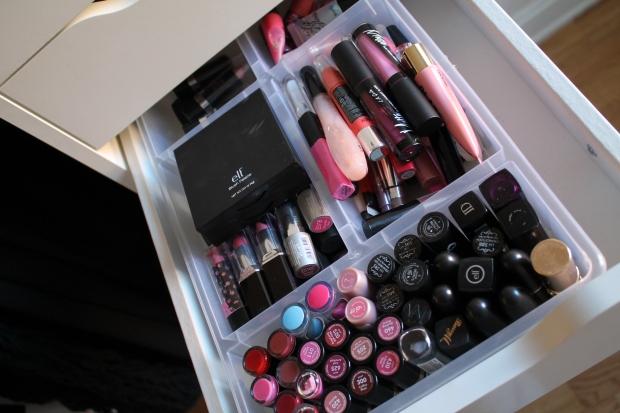 Lipsticks, Lipglosses & palettes