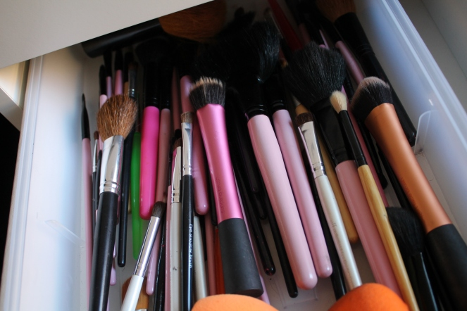 Brushes, Beauty Blenders & Makeup brush cleaning spray